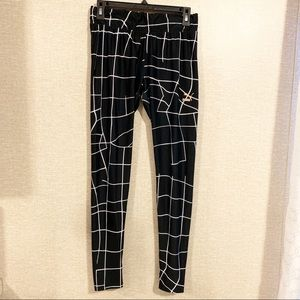 PUMA Black & White Line Print Leggings